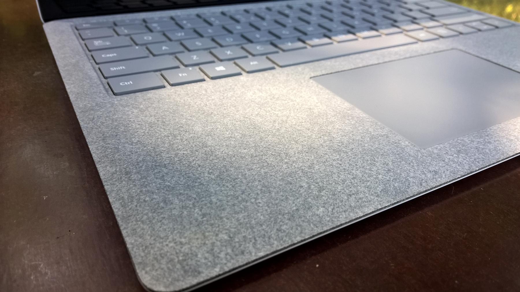 microsoft surface klawiatura i touchpad