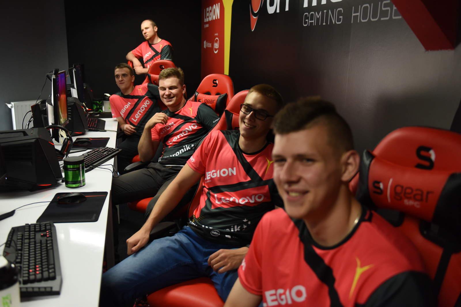The Legion ekipa e-sportowa - zdjęcie 1