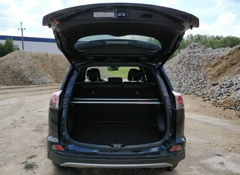 Toyotą Rav4 - bagażnik