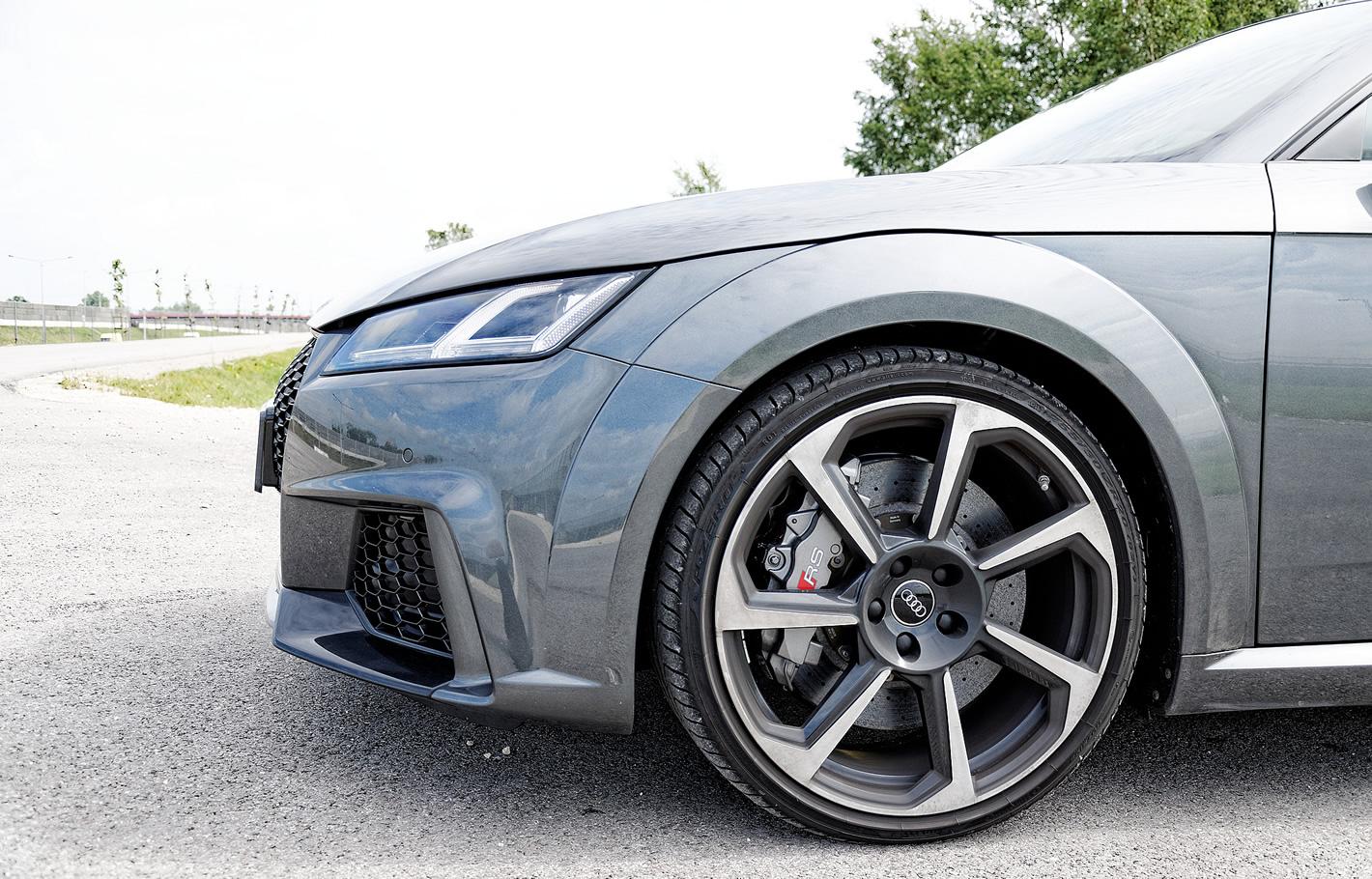 Audi TT RS - zdjęcie lewego koła