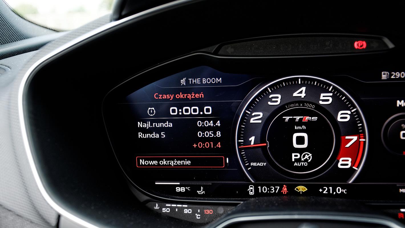 Miernik czasów okrążeń w Audi TT RS
