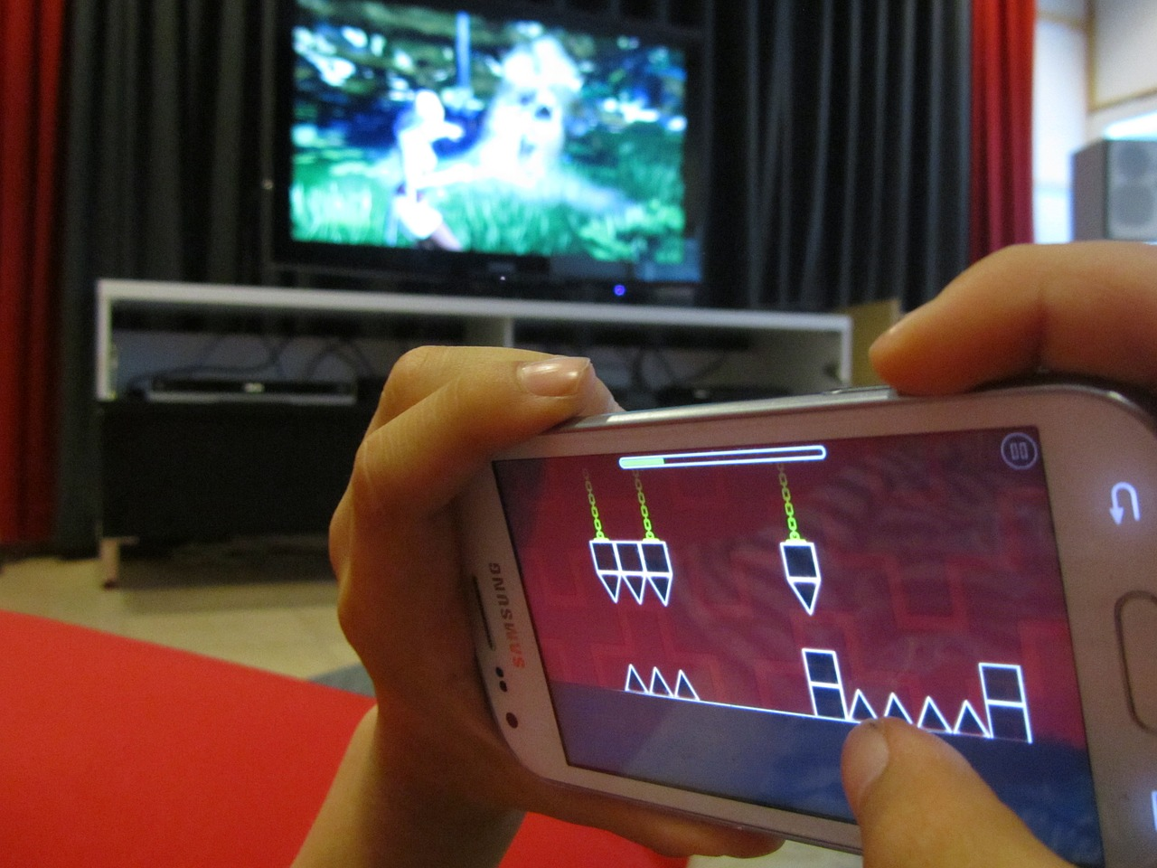 smartfon dla dziecka gra