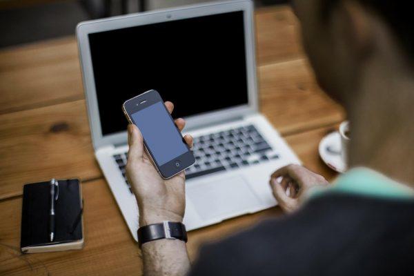 Apple Pay Cash pozwoli na przesyłanie pieniędzy pomiędzy użytkownikami iMessages.