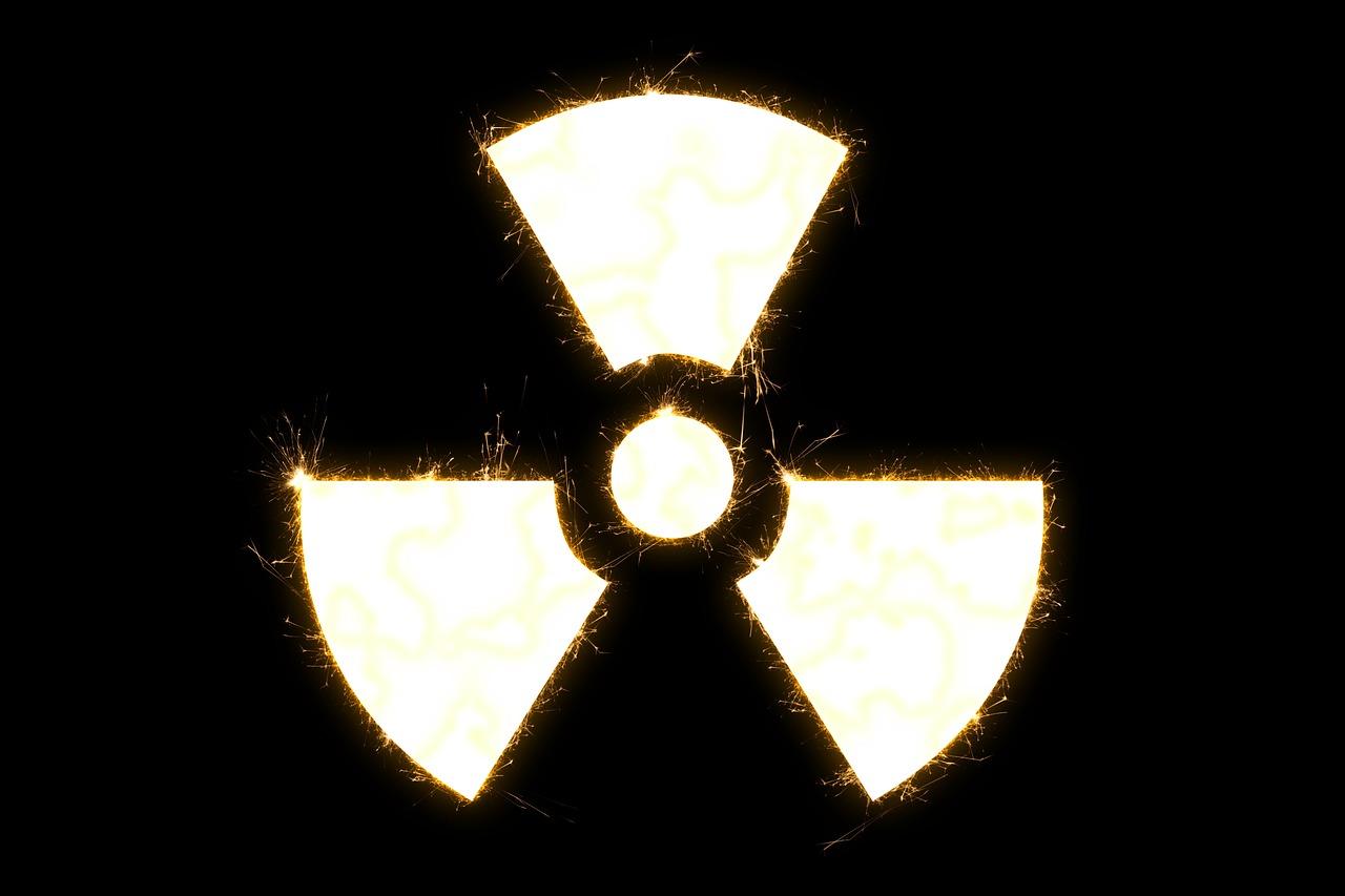 radioaktywność symbol