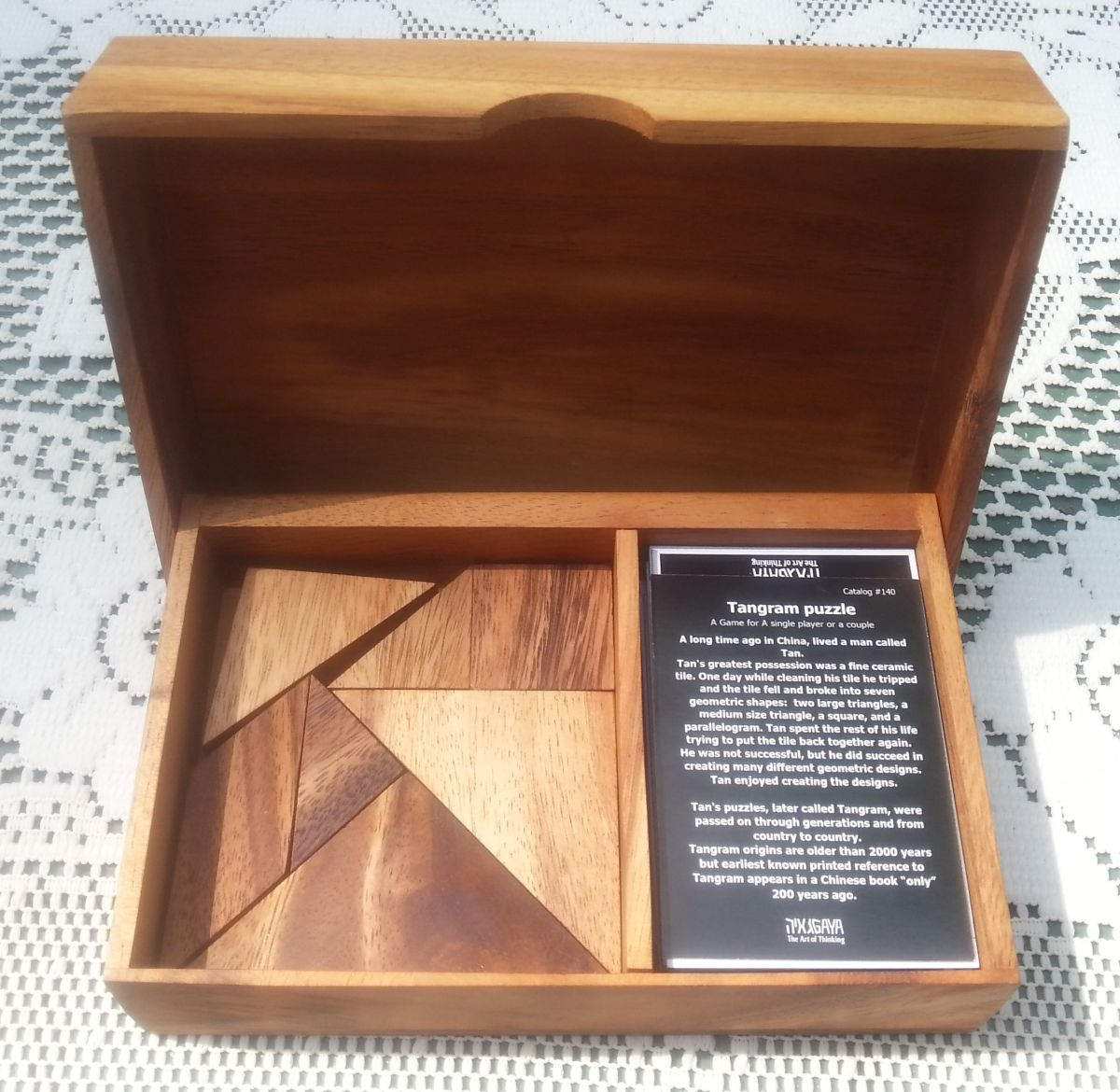 tangram figury puzzle w pudełku