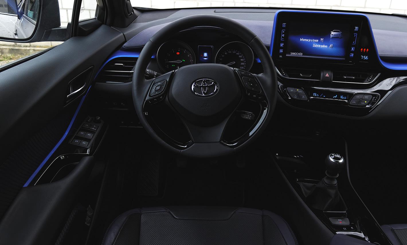 Wnętrze Toyota C-HR 1.2T 6MT
