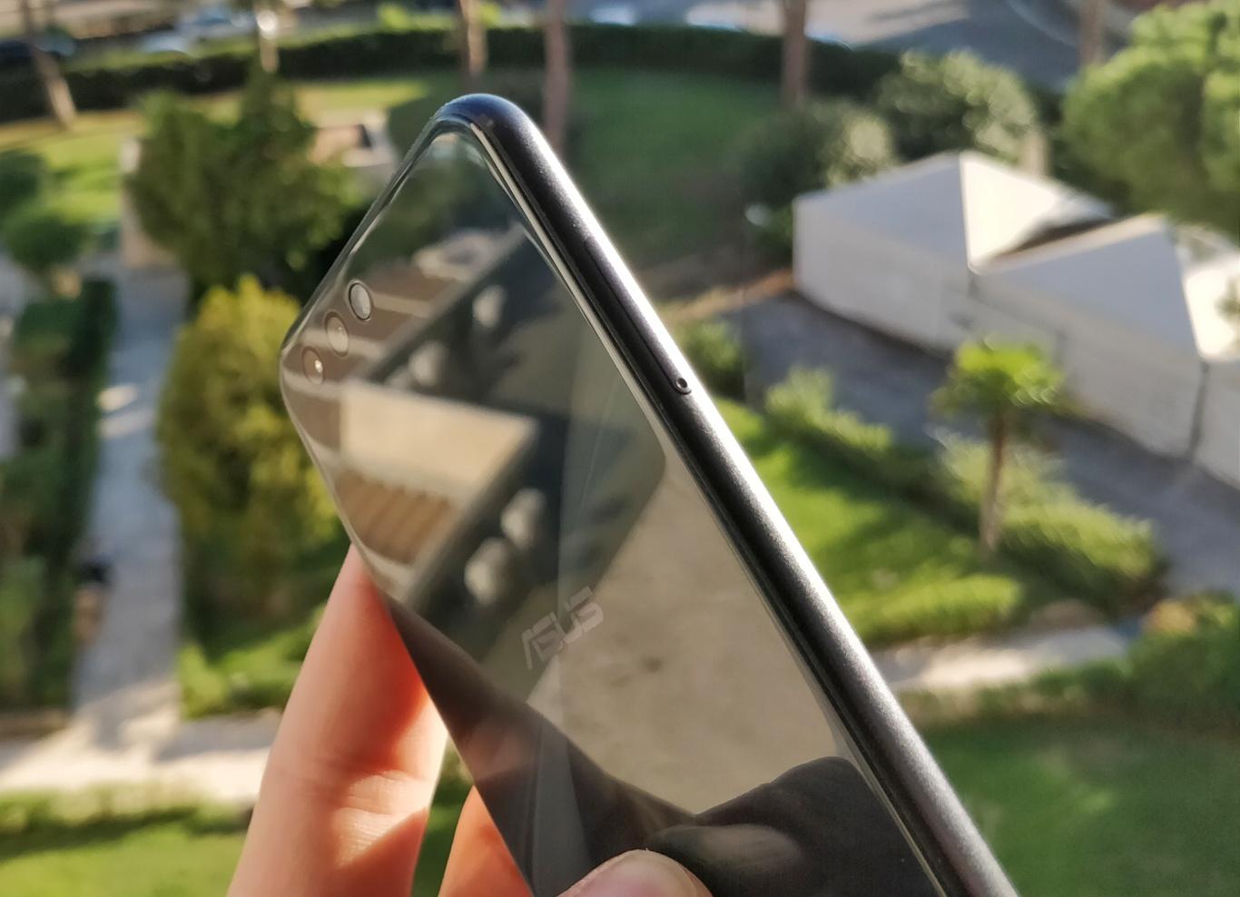 Asus Zenfone 4 - zdjęcie 2