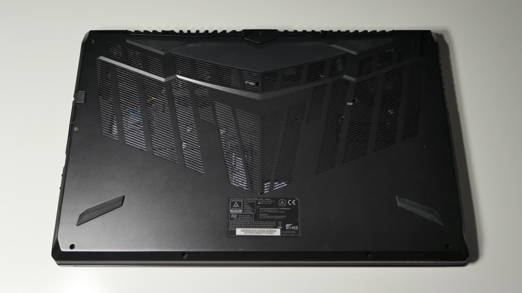 Hyperbook SL950VR - wygląd urządzenia od dołu