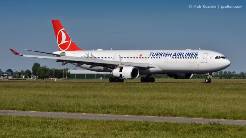 samolot cywilny - turkish airlines