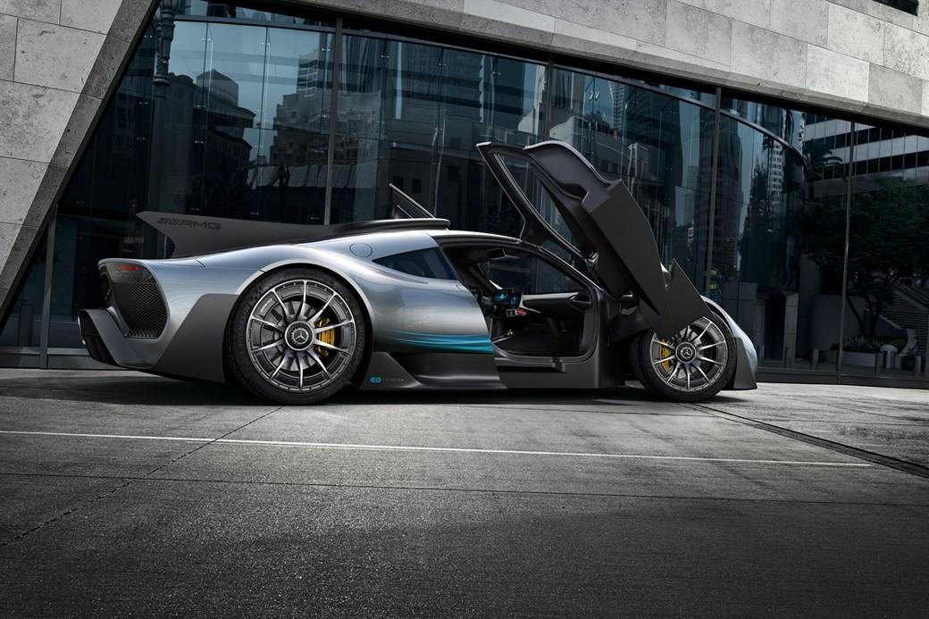 Mercedes-AMG Project One - otwierane drzwi
