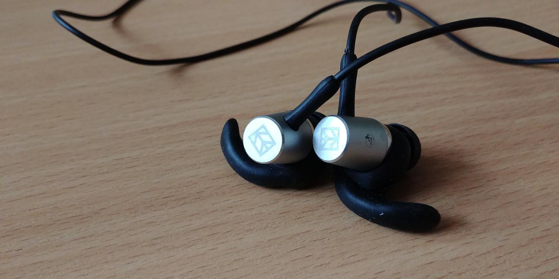 Hykker Air BT - design słuchawek z Biedronki