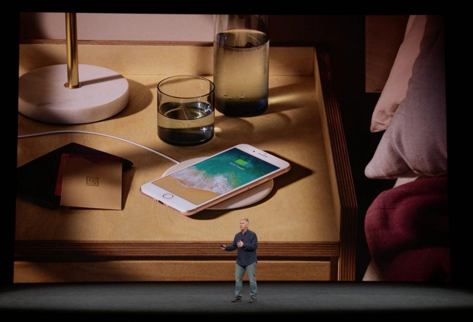 iPhone 8 bezprzewodowe ładowanie