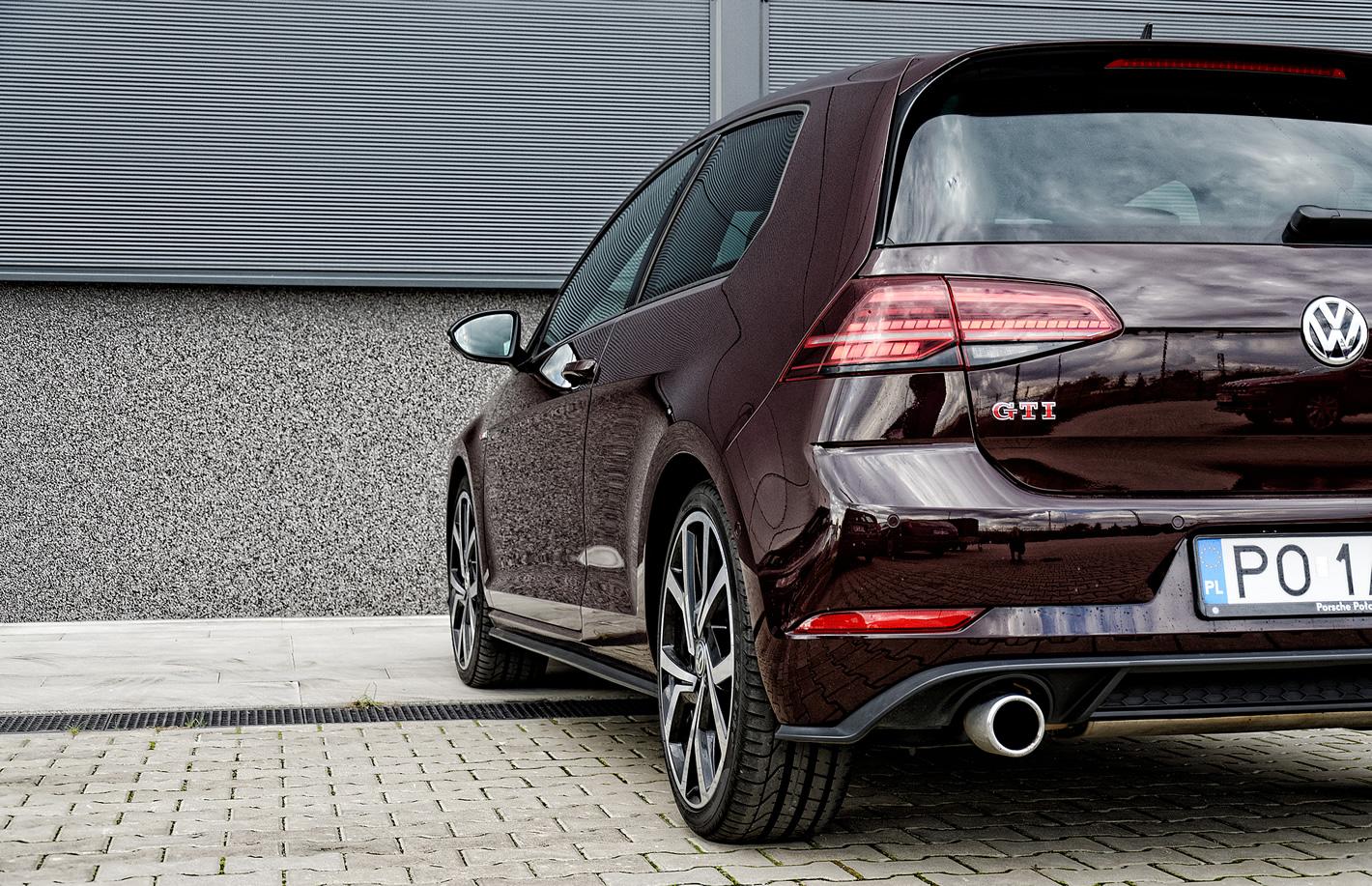 Volkswagen Golf GTI Performance - zdjęcie 2