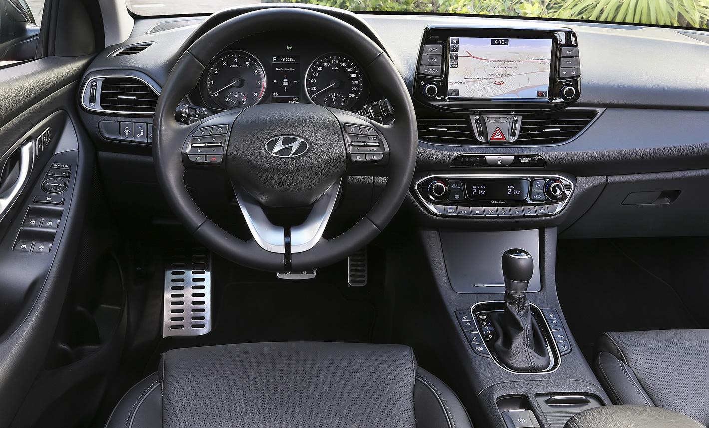 Wysoka funkcjonalność wnętrza w Hyundai i30