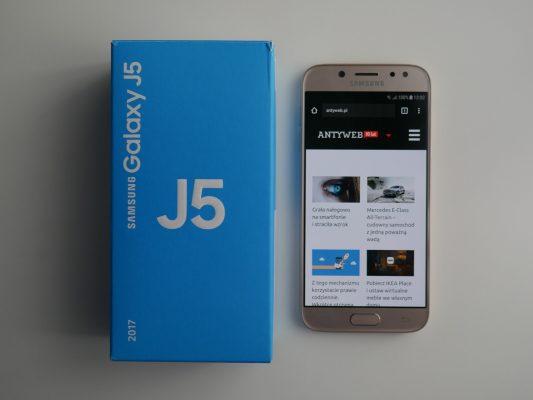 Smartfon Samsung Galaxy J5 2017