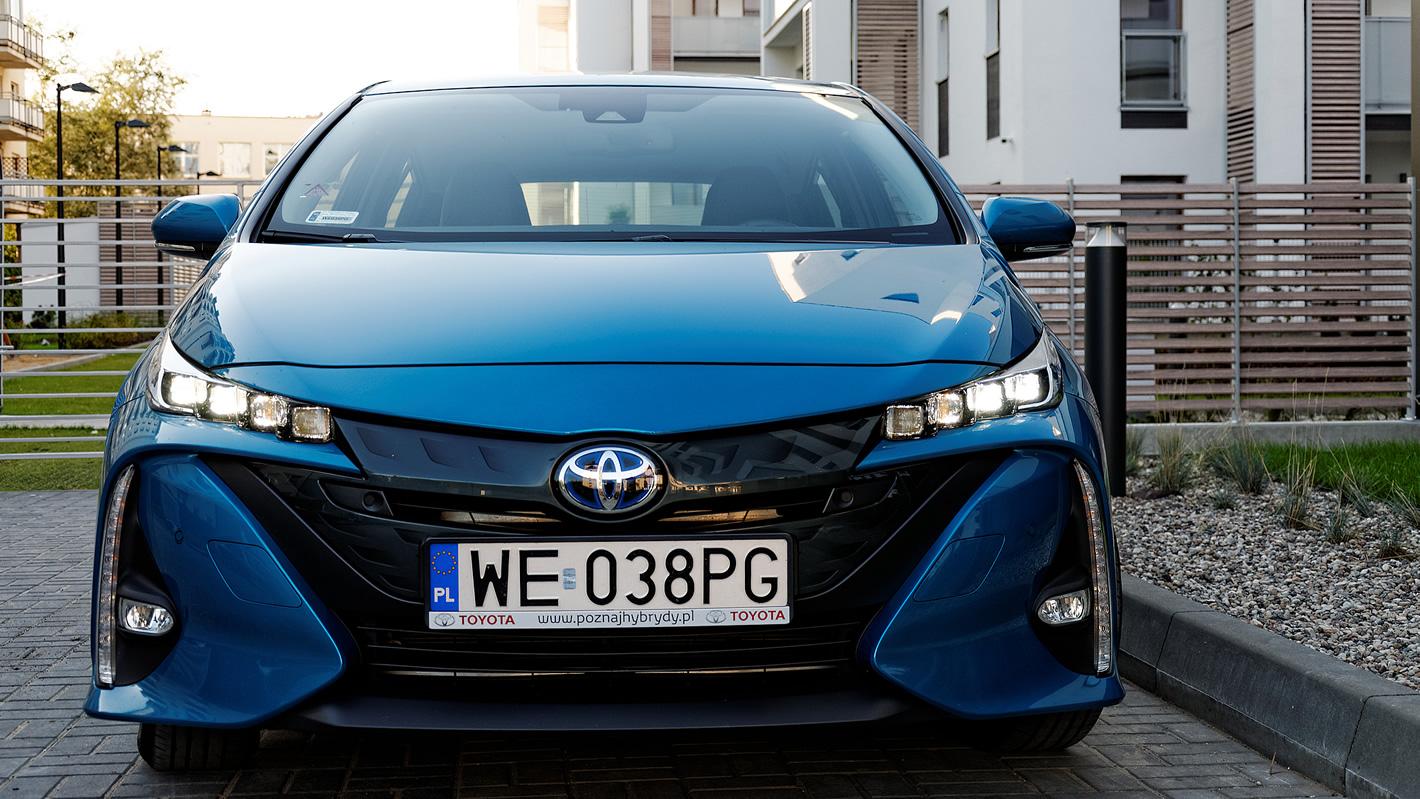 Ciekawy przód Toyoty Prius Plug-in Hybrid