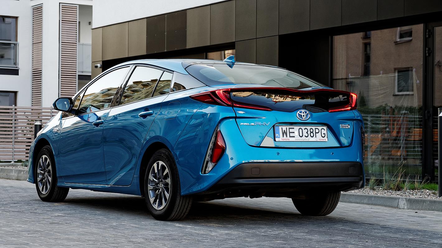 Toyota Prius Plug-in Hybrid - kształt karoserii nie jest tutaj przypadkiem