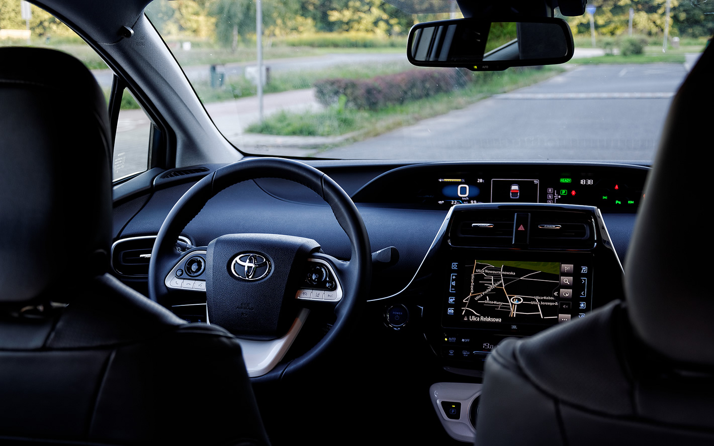 Kokpit Toyoty Prius Plug-in Hybrid