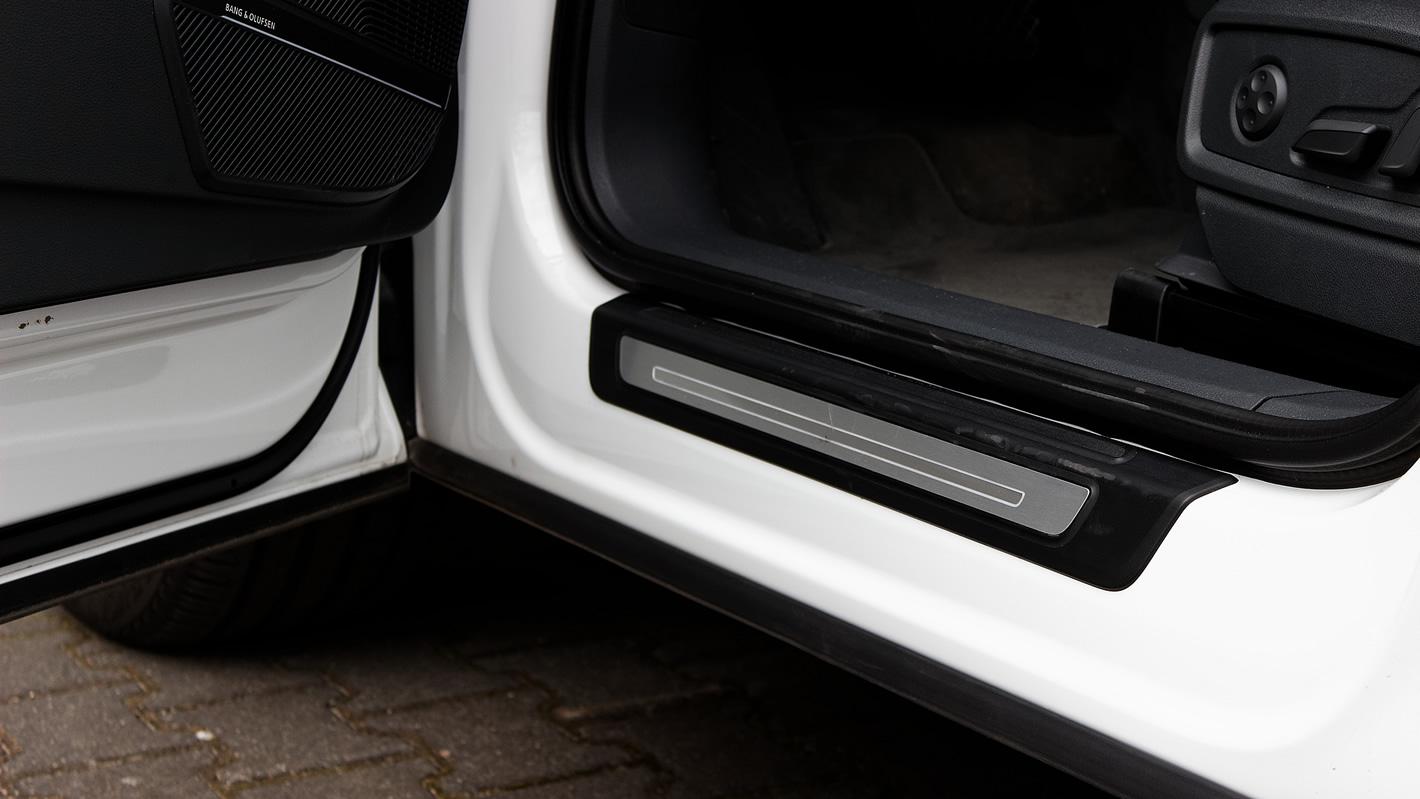 Audi Q5 - drzwi chronią progi przed zabrudzeniem