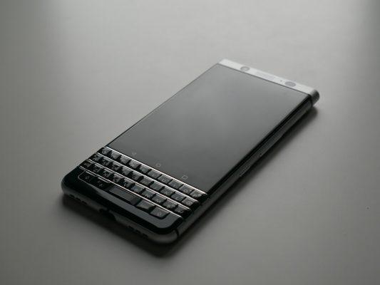 BlackBerry KeyOne - wygląd smartfona