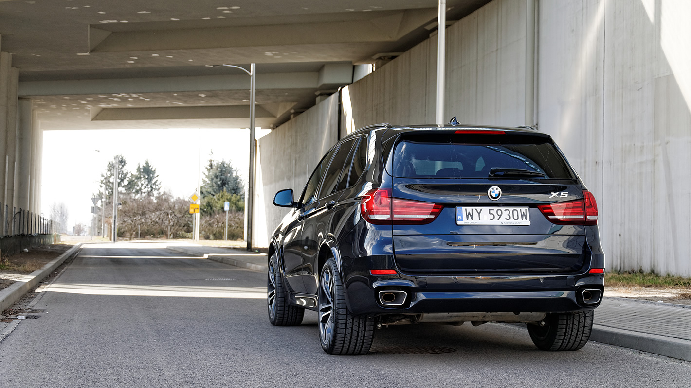 BMW X5 xDrive40d - na szerokich oponach