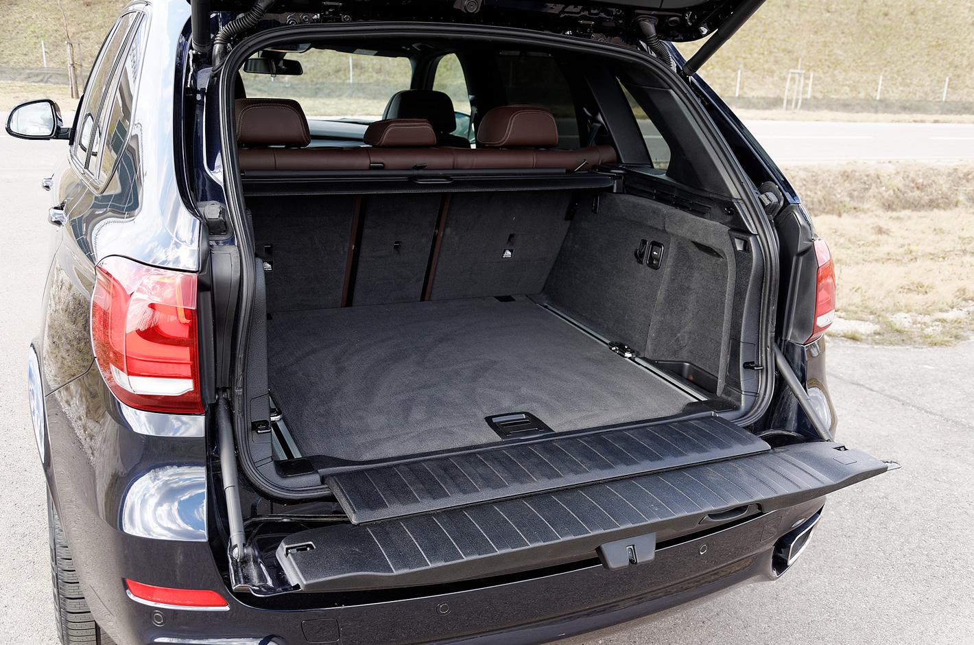BMW X5 xDrive40d - bagażnik