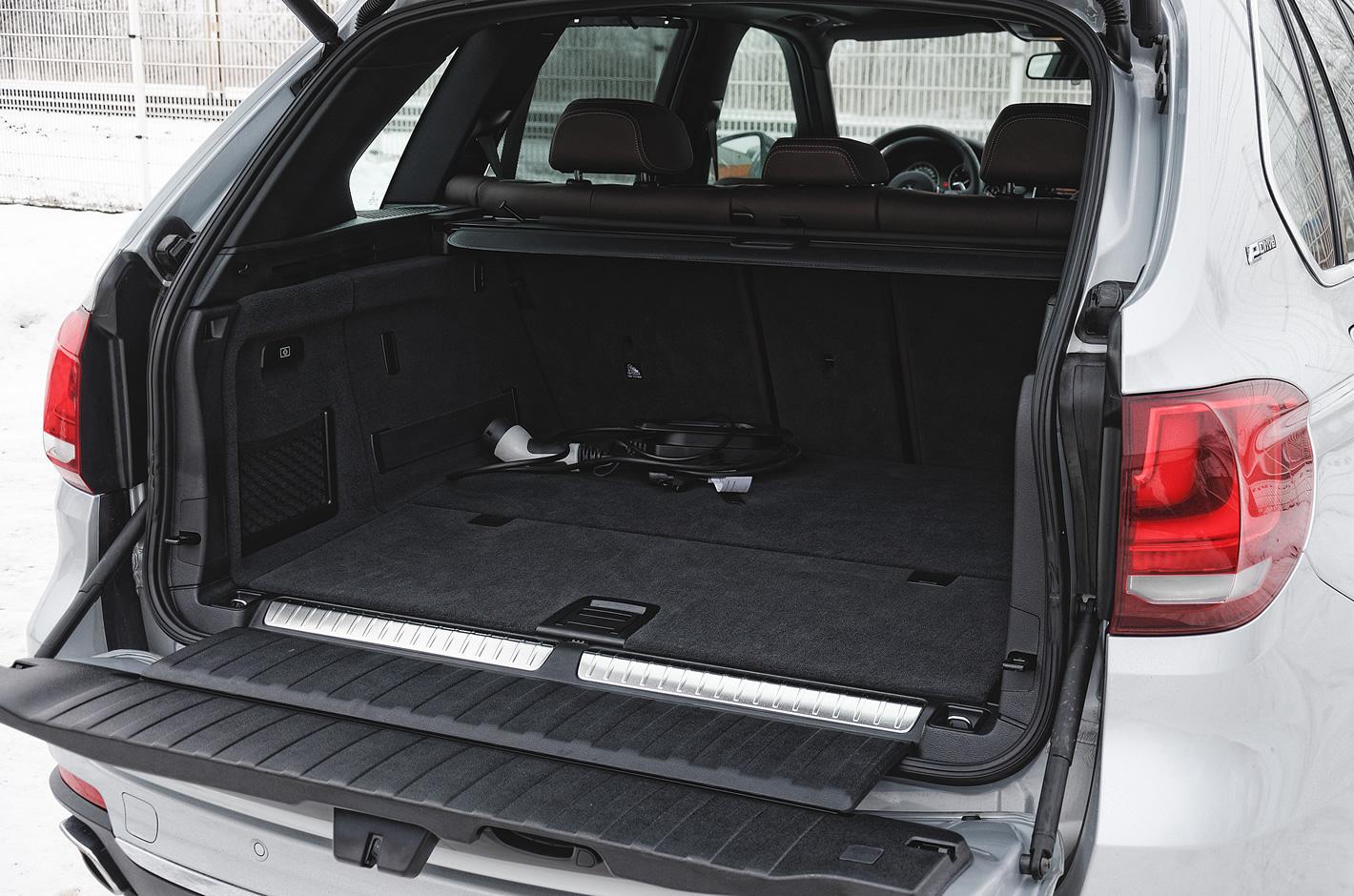 BMW X5 xDrive40e iPerformance - bagażnik