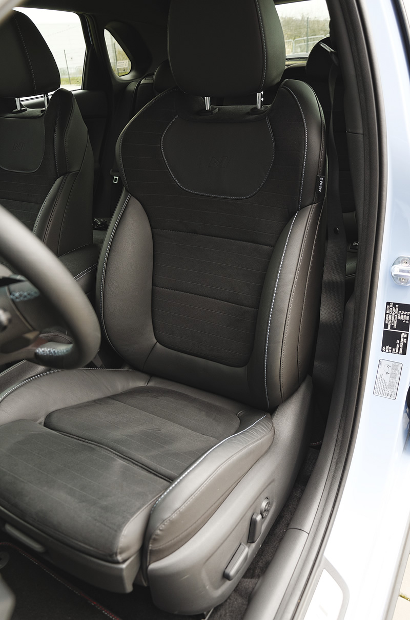 Hyundai i30 N Performance - fotel kierowcy