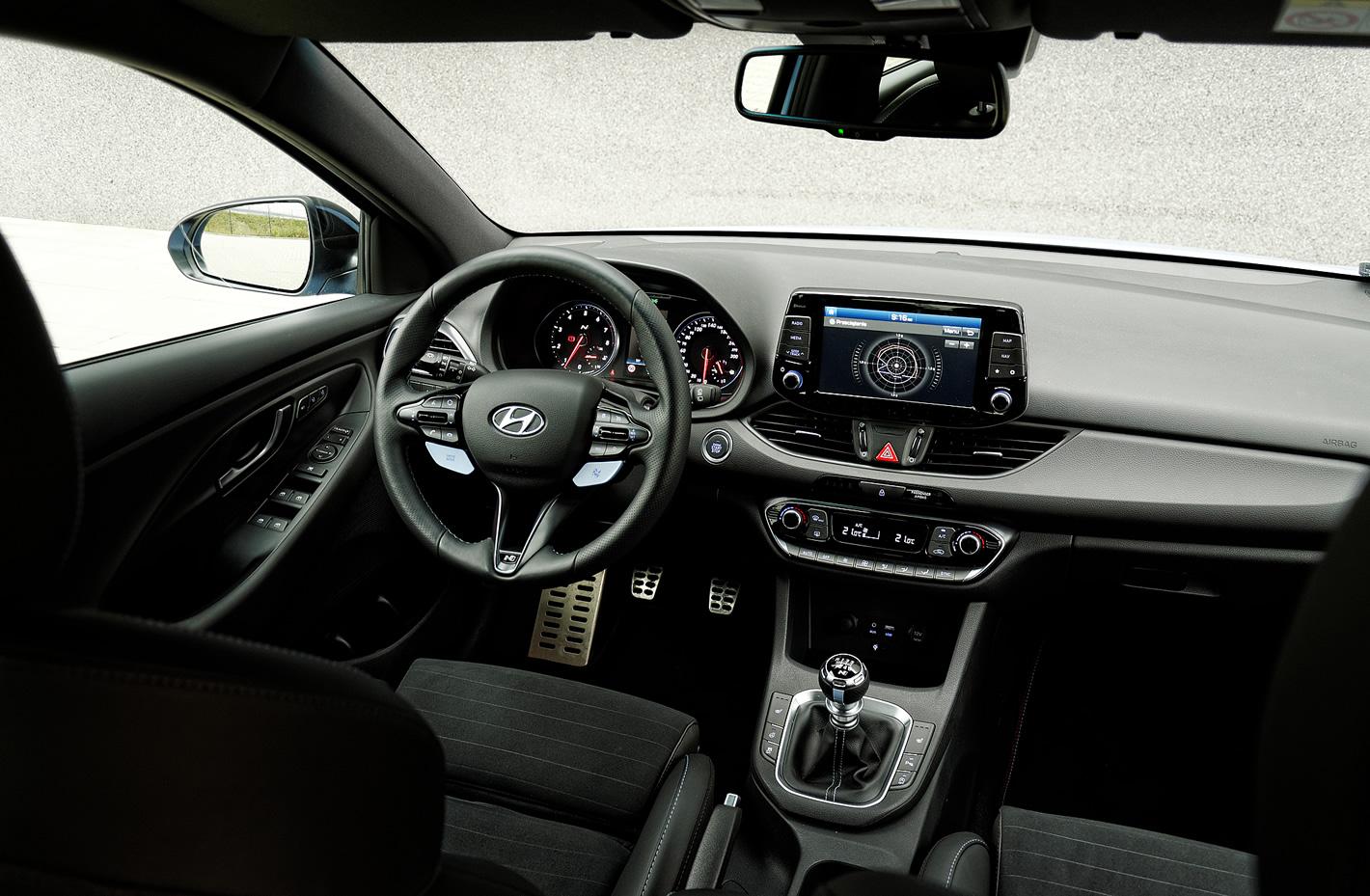 Hyundai i30 N Performance - wnętrze