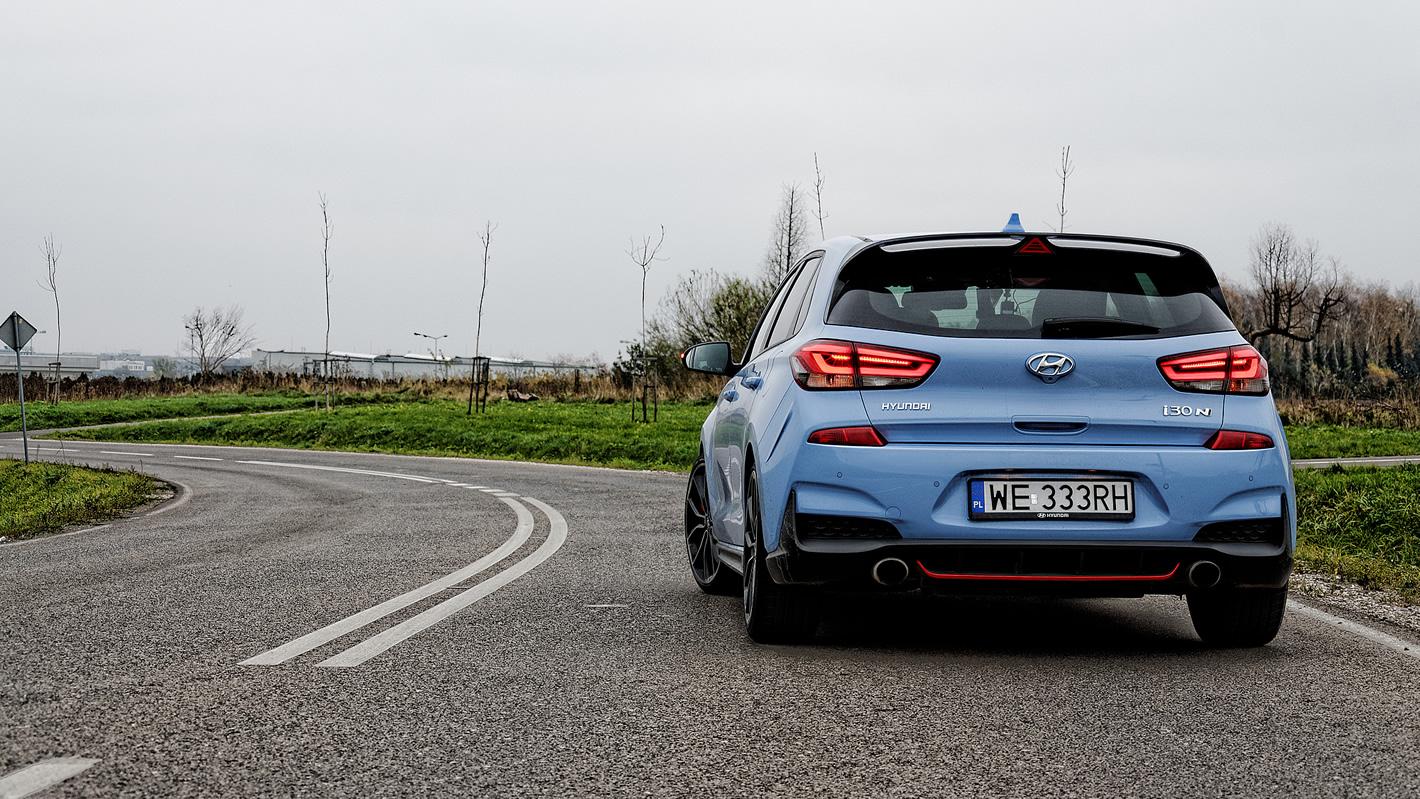 Hyundai i30 N Performance na krętej drodze