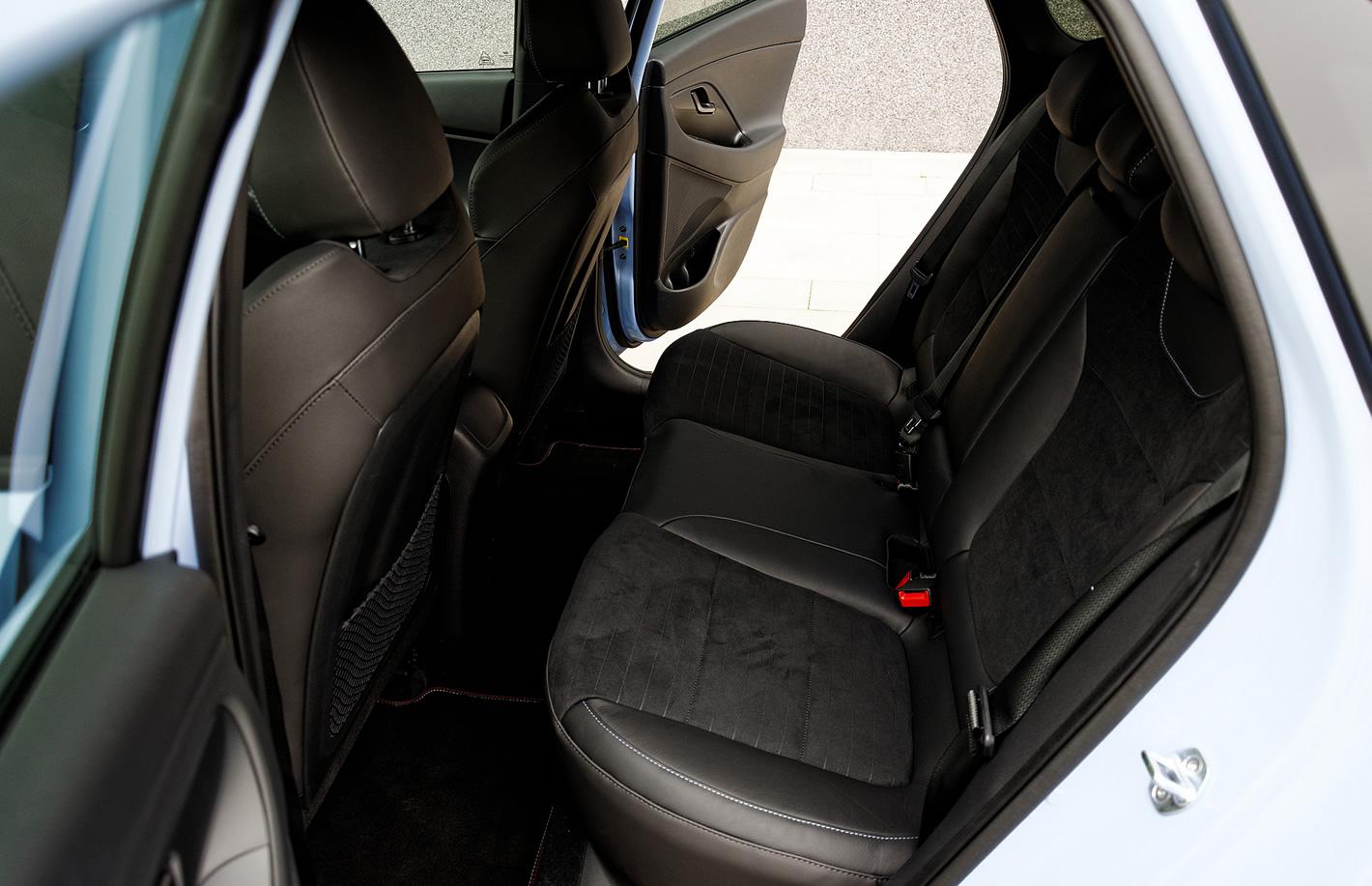 Hyundai i30 N Performance - tylna kanapa