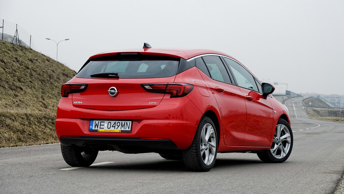 Opel Astra tylne reflektory