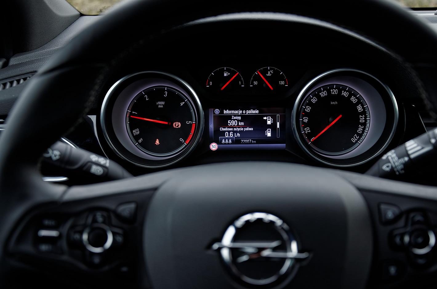 Opel Astra zegary