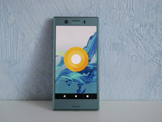 Sony Xperia XZ1 Compact to Android z nakładką Sony