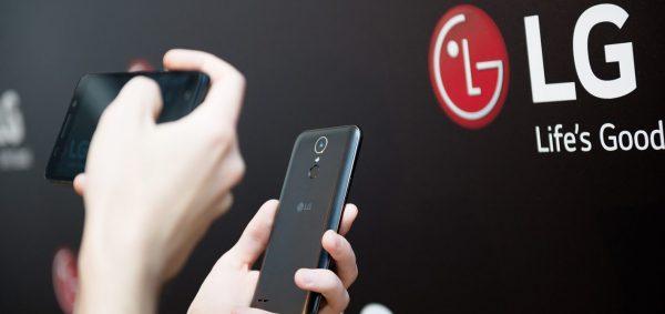 LG K8 2017 z wymienną baterią