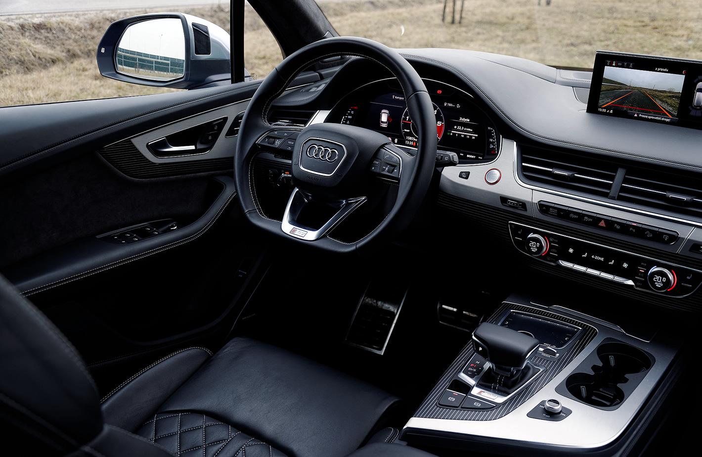Audi SQ7 TDI - kokpit