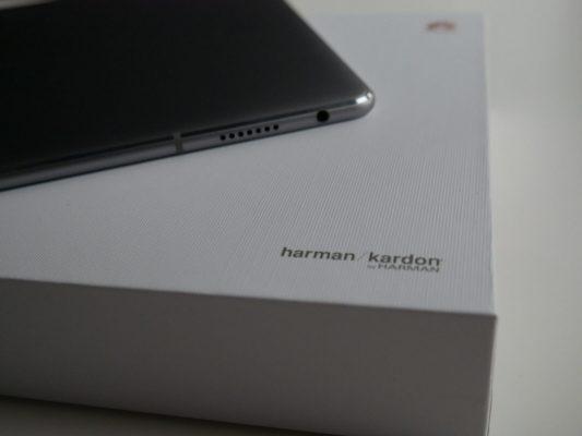 W Huawei Mediapad M3 Lite 4 głośniki zapewniają naprawdę dobrą jakość dźwięku.