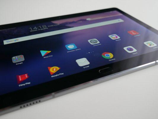Huawei Mediapad M3 Lite posiada system Androida 7.0 Nougat z nakładką EMUI 5.0