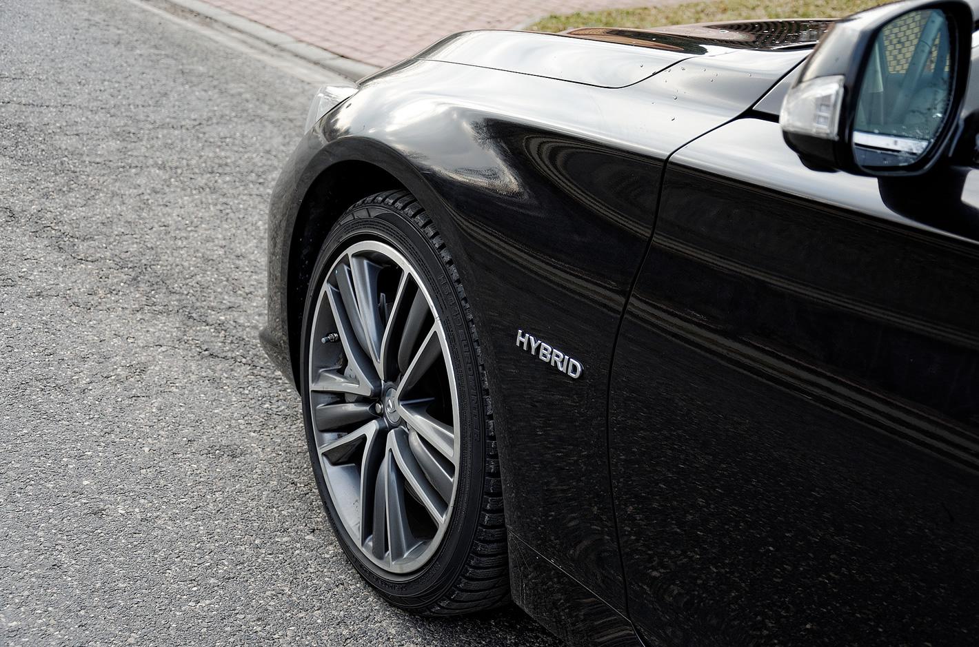 Infiniti Q50S Hybrid AWD - hybrydowy napęd