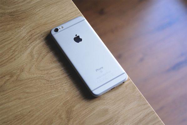 iPhone xs ma być tańszy o 100 dolarów
