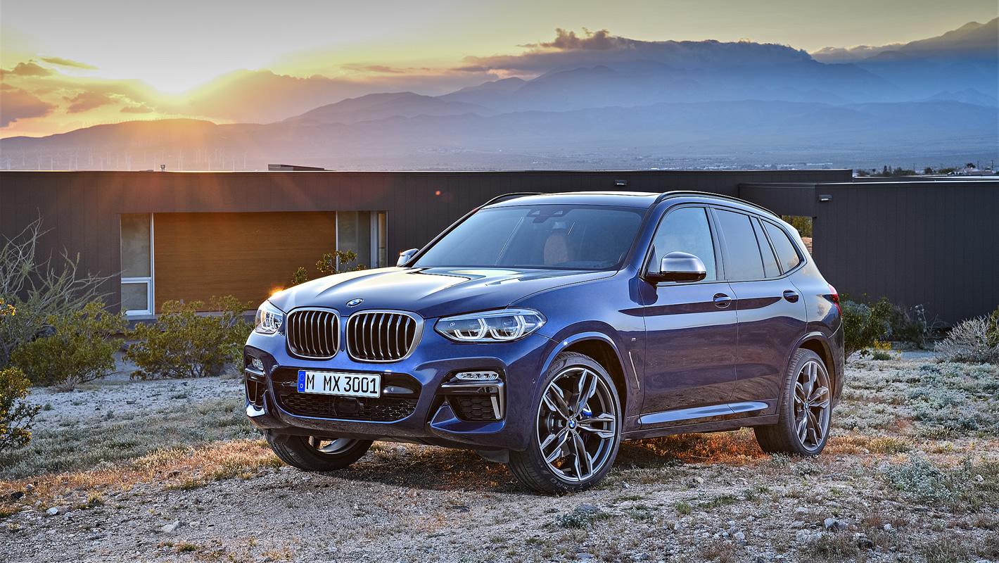 Nowe BMW X3 w niebieskim kolorze