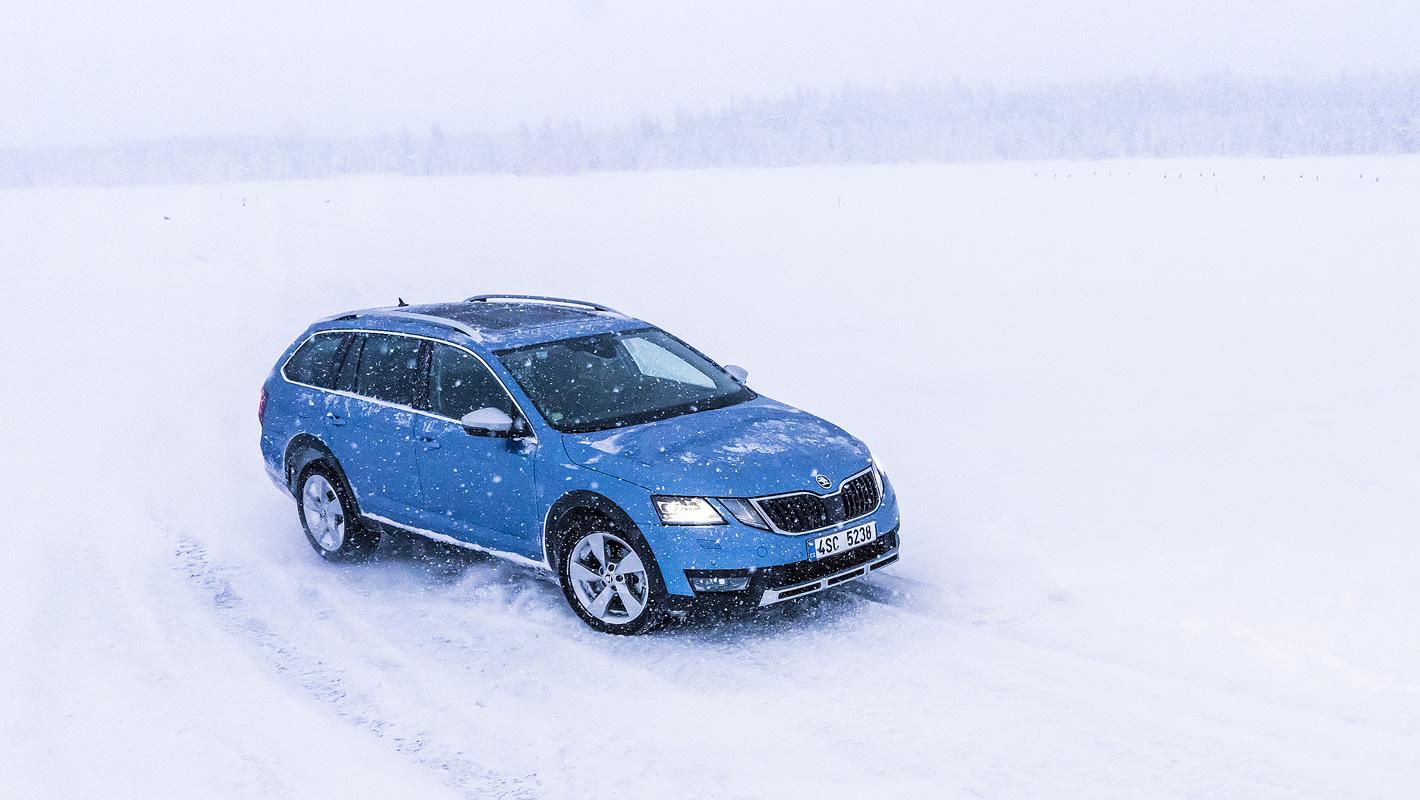 Skoda Octavia Scout na śniegu
