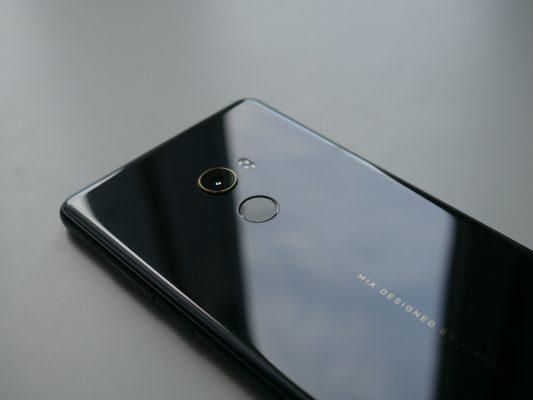 Xiaomi Mi Mix 2 posiada również skaner linii papilarnych