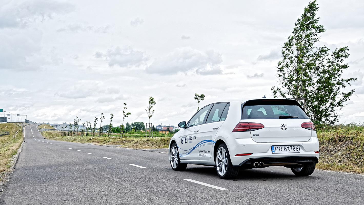 Volkswagen Golf GTE - wysoka cena oszczędności