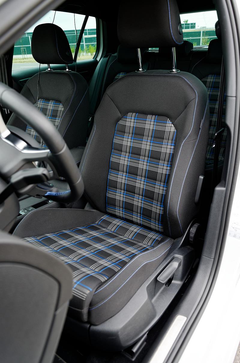 Volkswagen Golf GTE - przednie fotele