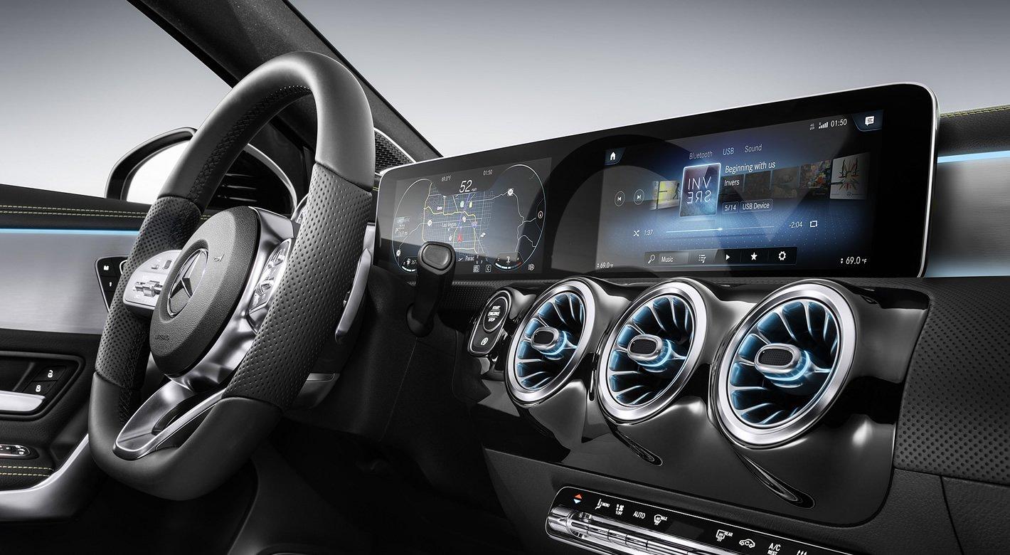 Mercedes-Benz Klasy A - kokpit