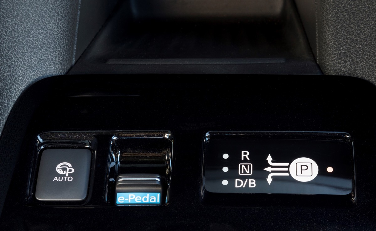 Nowy Nissan Leaf e-pedał