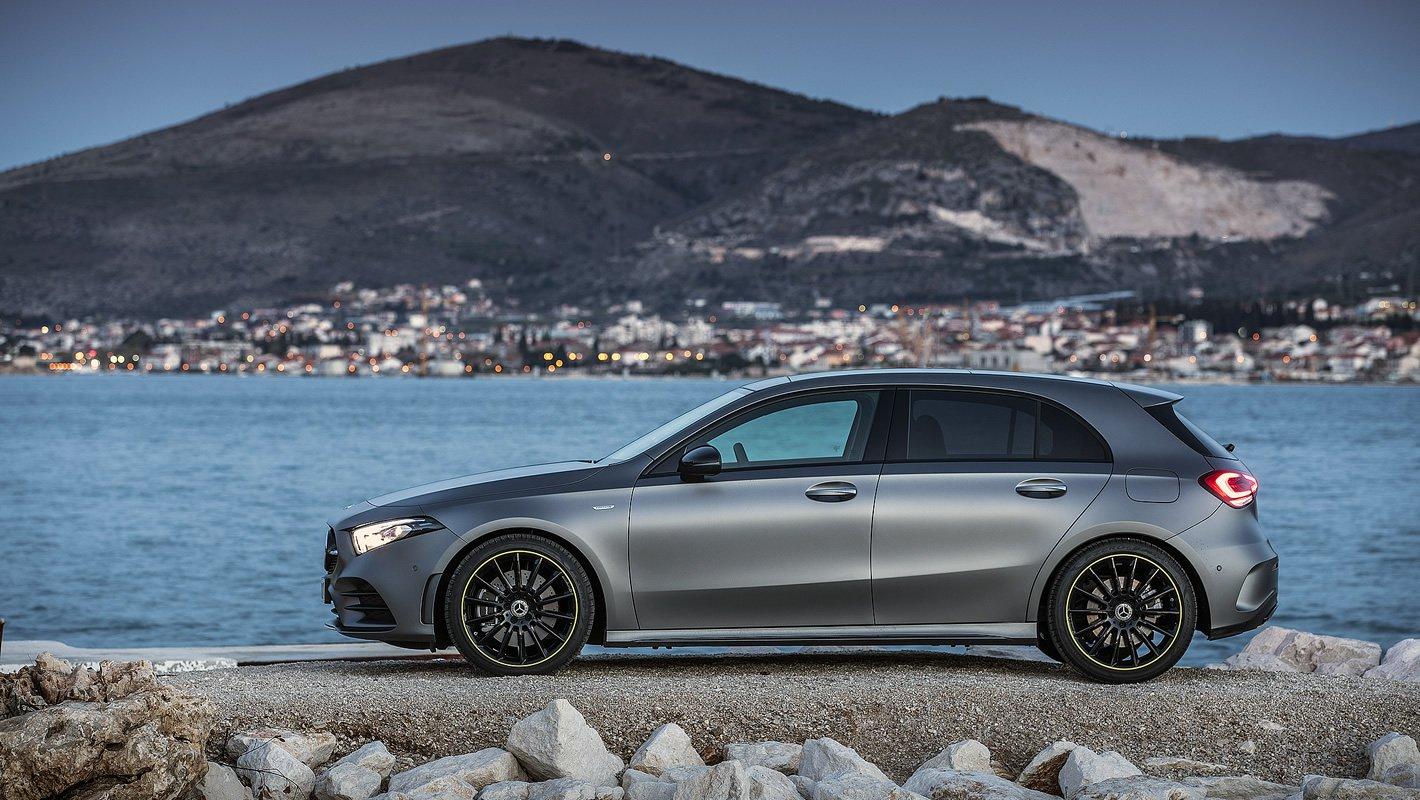 Mercedes-Benz Klasy A z boku
