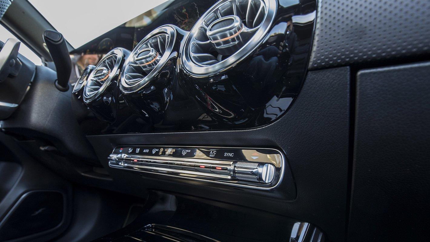 Mercedes-Benz Klasy A - panel klimatyzacji