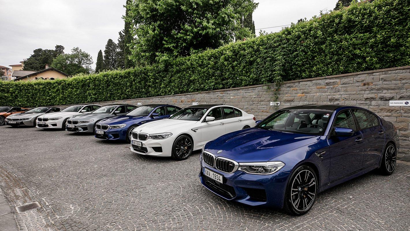 BMW M5 z dachem z włókna węglowego